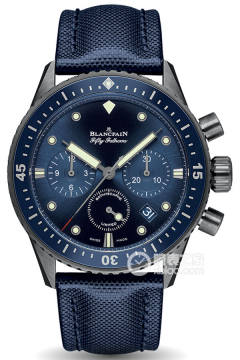 五十噚系列 BATHYSCAPHE CHRONOGRAPHE FLYBACK OCEAN COMMITMENT